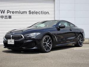 BMW 8シリーズ 840d xDriveクーペ Mスポーツ 認定中古車 レッドレザー シートヒーター レーザーライトアクティブクルーズコントロール ヘッドアップディスプレイ コンフォートアクセス 電動トランク 20インチアロイホイル リバースアシスト