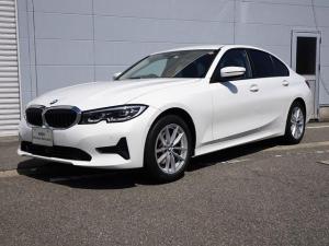 BMW 3シリーズ 320d xDriveMスポーツハイラインパッケージ 純正HDDナビゲーション ミラー内蔵型ETC バックカメラ  車線逸脱警告機能 被害軽減ブレーキ ミュージックサーバー オートライト 電動パワーシート オートワイパー LEDヘッドライト