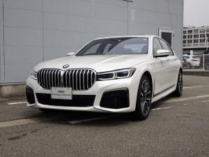 BMW 7シリーズ 740i Mスポーツ 純正HDDナビゲーション ミラー内蔵型ETC アクティブクルーズコントロール サンルーフ 被害軽減ブレーキ 車線逸脱警告機能 レーザーライト シートヒーター 電動テールゲート 電動パワーシート