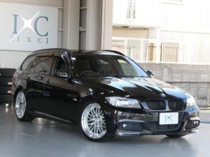 BMW 3シリーズ 320iツーリング Mスポーツパッケージ 後期最終モデル 19インチアルミ カーボンリップ 純正HDDナビ DVDビデオ再生 ミュージックサーバー ミラーETC フロント&リアモニター スロットルコントローラー 3連メーター 直噴エンジン