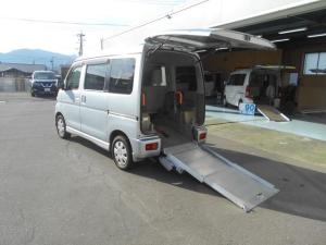 ダイハツ アトレーワゴン  スローパー 4WD リヤシート付き 電動ウィンチ
