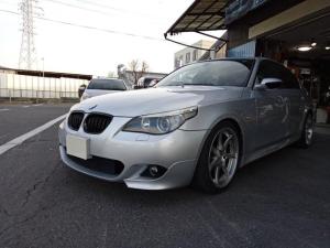 BMW 5シリーズ 525i Mスポーツローダウン19インチアルミETC地デジ