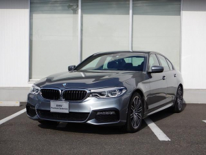 BMW 5シリーズ 523i Mスポーツ イノベーションP