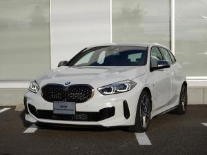 BMW 1シリーズ M135i xDrive デビューパッケージ Mスポーツ・シート 弊社試乗車 2年間走行無制限保証