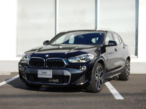 BMW X2 sDrive 18i MスポーツX コンフォートP アドバンスドアクティブセーフティーP 弊社試乗車 2年間走行無制限保証