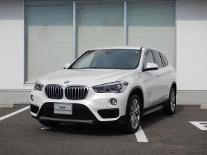 BMW X1 sDrive 18i ファッショニスタ 限定車 ベージュレザー 電動フロントシート フロントシートヒーティング オートマチックトランクリッド アクティブクルーズコントロール ワンオーナー 2年間走行無制限保証