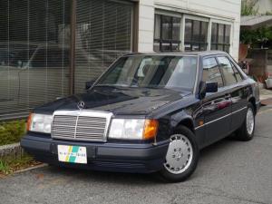 メルセデス・ベンツ ミディアムクラス 300E ノーマル車 ボディ・ガラスコーティング済
