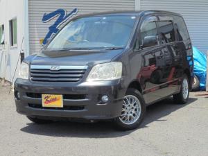 トヨタ ノア X Gセレクション 2WD 8人乗り 両スライドドア ABS 社外SDナビ ワンセグ 社外アルミスタッドレス