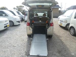 ダイハツ タント  福祉車両 車椅子仕様スロープタイプ 車椅子固定装置