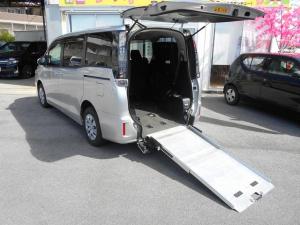トヨタ ヴォクシー X 福祉車両スローパー2基積