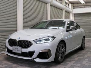 BMW 2シリーズ M235i xDriveグランクーペ デビューPKG スポーツシート アダプティブサスペンション LEDヘッドライト 18AW コンフォートアクセス 純正ナビ リアビューカメラ 純正ETC レーンディパーチャーウォーニング