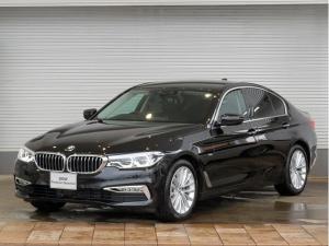BMW 5シリーズ 523d ラグジュアリー LEDヘッドライト 18AW ソフトクローズドア オートトランク コンフォートアクセス 黒革 マルチメーター 純正ナビ フルセグ  トップ リアビューカメラ ヘッドアップディスプレイ 純正ETC