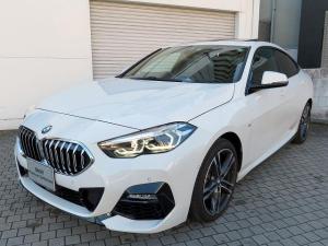 BMW 2シリーズ 218iグランクーペ Mスポーツ LEDヘッドライト 18インチアルミ サンルーフ パノラマガラスSR コンフォートアクセス レザーシート ブラックレザー ナビパッケージ 純正iDriveナビ リアビューカメラ 認定中古車
