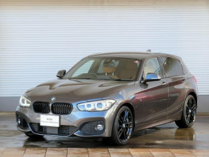 BMW 1シリーズ 118i Mスポーツ エディションシャドー LEDヘッドライト 18AW PDC コンフォートアクセス レザーシート 純正ナビ iDriveナビ リアビューカメラ 純正ナビ アクティブクルーズコントロール ストップ ゴー 認定中古車