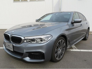 BMW 5シリーズ 530e Mスポーツ LEDヘッドライト 19AW PDC オートトランク コンフォートアクセス レザーシート ブラックレザー マルチディスプレイメーター 純正ナビ フルセグ 認定中古車