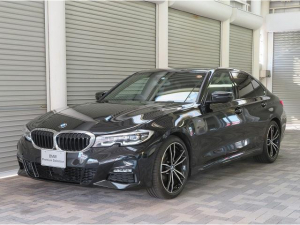 BMW 3シリーズ 320i Mスポーツ デビューPKG コンフォートPKG LEDライト PDC オートトランク G19AW 黒革 ヘッドアップディスプレイ HiFiスピーカー アクティブクルーズコントロール 認定中古車