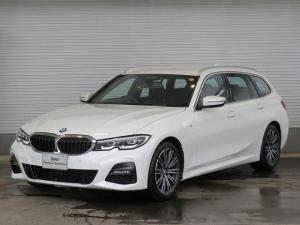 BMW 3シリーズ 320d xDriveツーリング Mスポーツ コンフォートPKG LEDヘッドライト 18AW PDC オートトランク コンフォートアクセス シートヒーター 純正ナビ iDriveナビ トップ リアビューカメラ 純正ETC Aクルコン 認定中古車