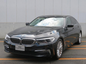 BMW 5シリーズ 530iラグジュアリー LEDヘッドライト 18AW オートトランク コンフォートアクセス レザーシート ブラックレザー マルチディスプレイメーター 純正ナビ トップ リアビューカメラ Aクルコン レーンチェンジ 認定中古車
