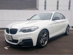 BMW 2シリーズ M240iクーペ LEDヘッドライト 18AW パーキングサポートPKG PDC コンフォートアクセス シートヒーター 純正ナビ iDriveナビ 地デジ フルセグ リアビューカメラ 純正ETC 車線逸脱 認定中古車