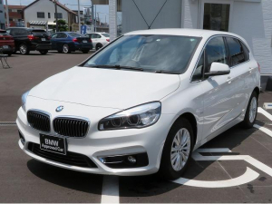 BMW 2シリーズ 218dアクティブツアラー ラグジュアリー コンフォートPKG LEDヘッドライト 16AW パーキングサポートPKG オートトランク コンフォートアクセス レザーシート ブラウンレザー 純正ナビ リアビューカメラ 純正ETC 認定中古車
