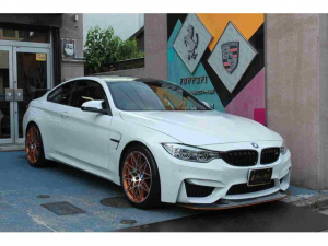 BMW M4 世界限定700台 クラブスポーツPKG
