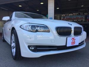 BMW 5シリーズ 523i ハイラインパッケージ オートクルーズ サンルーフ