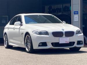 BMW 5シリーズ 523i Mスポーツパッケージ ディーラー車 右ハンドル 修復歴無し マーベリック20インチアルミホイール サンルーフ 走行距離46157キロ BMW純正ナビ バックカメラ ETC スマートキー プッシュスタート 車検2022年3月