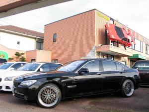 BMW 7シリーズ 750i F01 4.4 V8ツインターボ コンフォートアクセス 純正19インチアルミ 別スタッドレスタイヤ付アルミホイールセット有り 純正HDDナビ フルセグ Bluetooth 本革シート シートヒーター