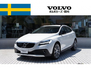 ボルボ ボルボ V40 CROSSCOUNTRY D4 DynamicEdition