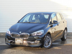 BMW 2シリーズ 218dアクティブツアラー ラグジュアリー 18AW黒革衝突軽減ACCPアシストコンフォートpkgHUDETC 1年AC弊社レンタカーアップ禁煙認定車