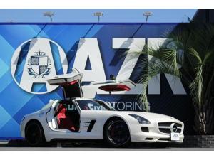 メルセデス・ベンツ SLS AMG ベースグレード 正規ディーラー車 AMGパフォーマンスPKG アルカンターラコンビステアリング アルカンターラルーフライニング デジーノミスティックホワイト キャリパーレッド 純正マットブラックAW