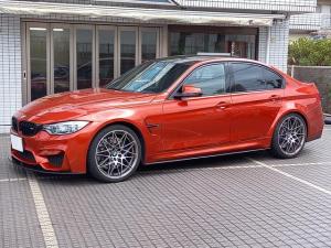 BMW M3 M3セダン コンペティション ●コンペティション専用20インチAW●7速DCT●450ps●コンペティション可変バルブ付きスポーツエギゾーストシステム●アダプティブMサスペンション●Mスポーツインジケーター付きステアリング