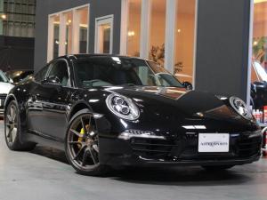 ポルシェ 911 911カレラブラックエディション 2オナ(PC記録有) LEDヘッド カレラS用20AW イエローキャリパー エンボス黒革 ロゴ入プレート スポーツステア クルコン 前後Pセンサー ダークテール 4本マフラーカッター 車庫保管 禁煙