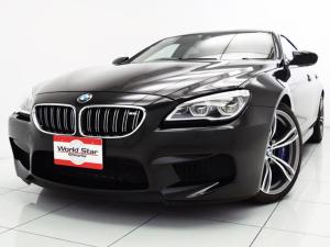 BMW M6 グランクーペ ベースグレード コンフォートPKG 20インチMライトアロイダブルスポークAW アダプティブLEDヘッドライト サキールオレンジレザーシート 前後シートH Fベンチレーター カーボンインテリアトリム カーボンルーフ