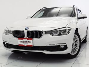 BMW 3シリーズ 320iラグジュアリー 17インチAW ブラックレザーシート LEDヘッドライト インテリジェントセーフティ レザーステアリング 自動防眩ミラー シートH HDDナビゲーション コンフォートアクセス メモリー付きパワーシート