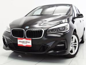 BMW 2シリーズ 218dグランツアラー xDrive Mスポーツ MエアロダイナミクスPKG 17インチMライトダブルスポークスタイル483M 前後パークセンサー Bカメラ LEDライト ブラックファブリックシート Mスポーツレザーステアリング 自動防眩ミラー