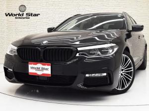 BMW 5シリーズ 523dツーリング Mスポーツ セレクトPKG ハーマンカードンサウンド ヘッドアップディスプレイ 電動パノラマSR 4ゾーンAC BMWIndividualハイグロスシャドーラインエクステリア アダプティブLEDヘッドライト コンフォートアクセス