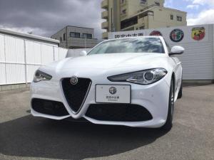 アルファロメオ ジュリア ヴェローチェ 元試乗車 右ハンドル 認定中古車保証