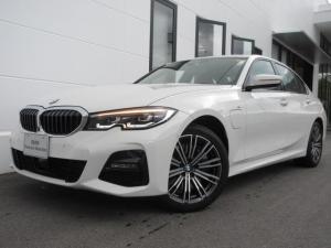 BMW 3シリーズ 330e Mスポーツ プラグインハイブリッド ブラックレザー シートヒーター LEDヘッドライト 18インチAW デモカー禁煙 2年保証