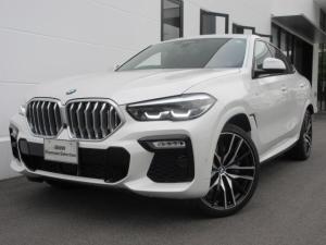 BMW X6 xDrive 35d Mスポーツ ブラックレザーシート シートヒーター ガラスサンルーフ ヘッドアップディスプレイ ジェスチャーコントロール 電動トランク 22インチAW ワンオーナー禁煙車 2年保証