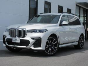 BMW X7 xDrive 35d Mスポーツ ブラックレザーシート シートヒーター ベンチレーションシート レーザーヘッドライト リアエンターテインメントシステム パノラマサンルーフ 6人乗り 22インチAW ワンオーナー禁煙車 2年保証