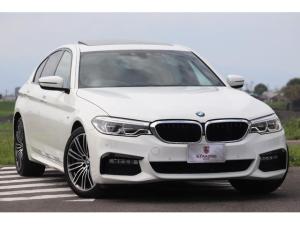 BMW 5シリーズ 540i Mスポーツ ハイラインパッケージ 1オーナー 黒革エアシート SR 純正HDDナビ ジェスチャーコントロール ヘッドアップディスプレイ 電動トランク キックトランクオープナー アンビエントランプ 全ドアソフトクローズド ACC
