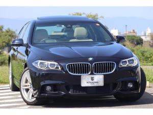 BMW 5シリーズ 550i Mスポーツ 後期 Individualカラー アズライトブラック ベージュダコタレザーシート サンルーフ 純正HDDナビ バックカメラ PDC ヘッドアップディスプレイ ソフトクローズドドア ACC LEDヘッド