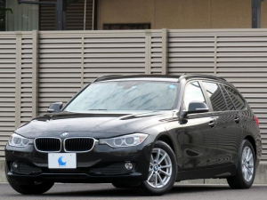 BMW 3シリーズ 320dブルーパフォーマンス ツーリング ディーゼルターボ 純正HDDナビ ブルートゥース ETC リアビューカメラ パーキングソナー バイキセノン 革巻きステアリング スマートキー USB&AUXポート
