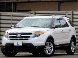 フォード エクスプローラー 4WD XLT エクスクルーシブ 80台特別限定車 4WD チャコールブラックレザーシート サンルーフ 純正SDナビ 地デジフルセグTV 走行中可 ブルートゥース FSRカメラ パーキングセンサー バイキセノン