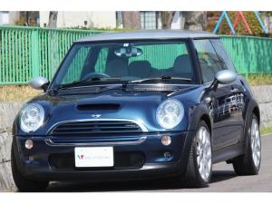 MINI クーパーS チェックメイト 特別仕様車 チェックメイト・モデル専用フレームスポーク17インチAW・バイキセノン・6速AT・モデル専用バイカラーコンビシート・バイカラーレザースポーツステアリング・HDDナビ・DVDビデオ・ETC