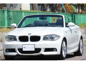 BMW 1シリーズ 120i カブリオレ Mスポーツパッケージ Mスポーツpkg・Mエアロダイナミクス・M17インチAW・リアスポイラー・車幅センサー・Bカメラ・バイキセノン・LEDドアノブライト・黒革シート・パワーシート・シートヒーター・ナビ・TV・DVDビデオ