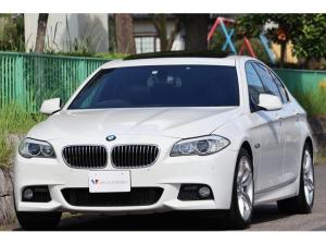 BMW 5シリーズ 528i Mスポーツパッケージ Mエアロダイナミクス・19インチアロイホイール・ガラスサンルーフ・コンフォートアクセス・車幅センサー・ミラーETC・ナビ・地デジ・DVD再生・Bカメラ・Bluetooth・ユピテルセキュリティー