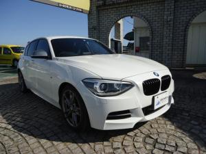 BMW 1シリーズ M135i 3000cc 直列6気筒ターボ 320ps 純正ナビ バックカメラ ETC パワーシート 18インチ純正アルミ 取扱説明書 スペアキー 車検2022年4月