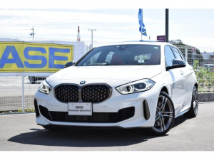 BMW 1シリーズ M135i xDrive 認定中古車全国2年保証付 デビューパッケージ ビジョンパッケージ パノラマガラスサンルーフ デモカーアップ